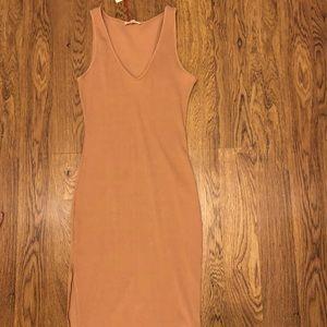 Clay colored Midi dress size L